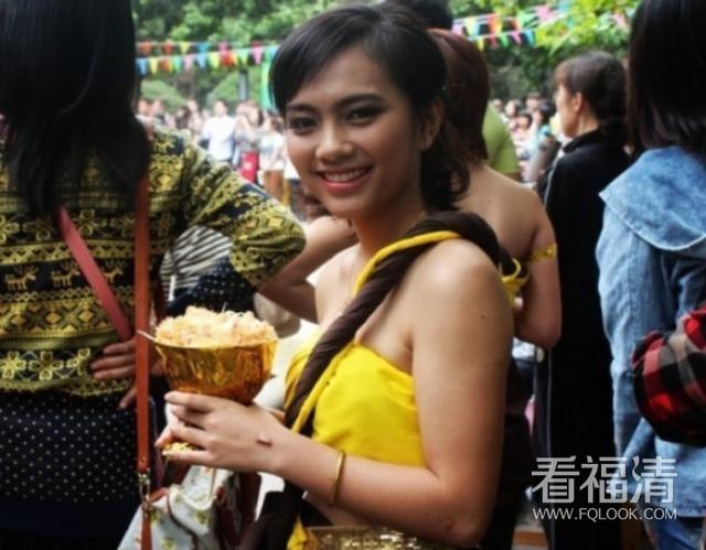 1000元人民币,在泰国能享受到?#35009;?#26381;务?当地姑娘告诉你 ...