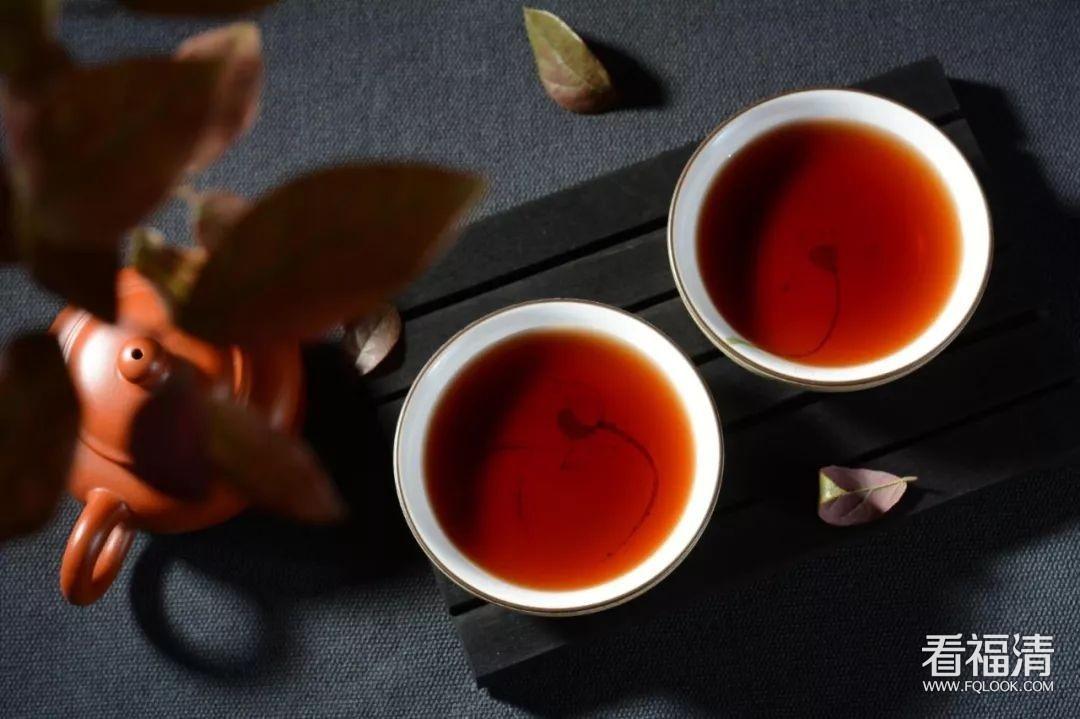 """喝茶,?#20146;睢?#36186;钱""""的一件事"""