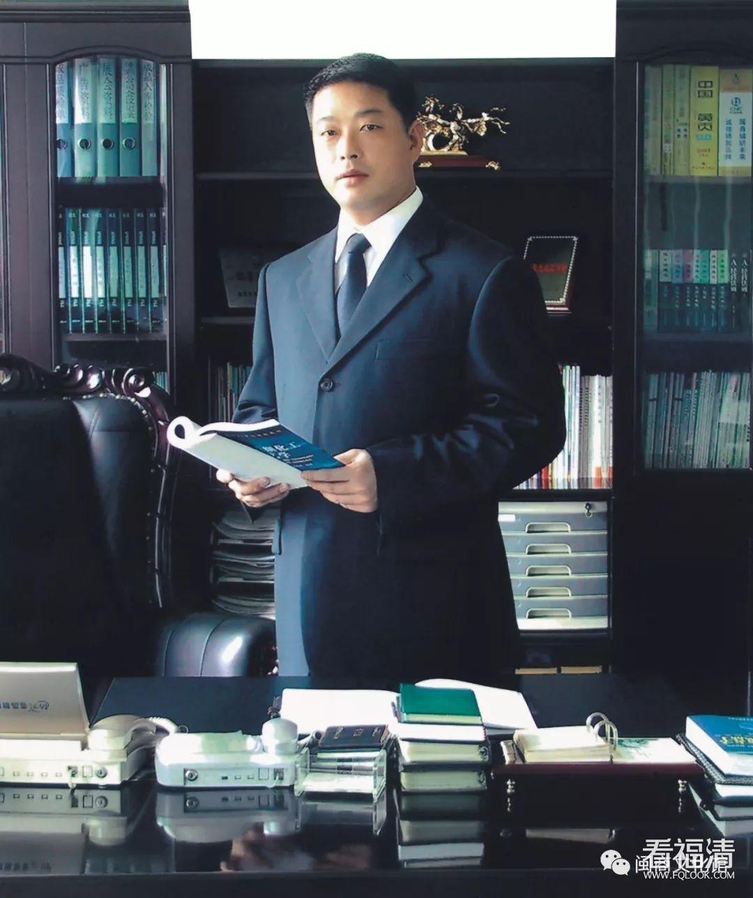 低调的隐形冠军谢秉昆,驾驭着珠光材料生产全球巨头企业