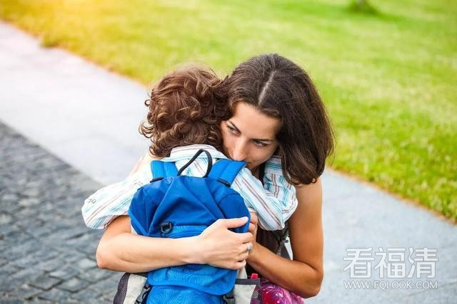 复旦教授:每当孩子哭的时候,家长试试用这7句话代替