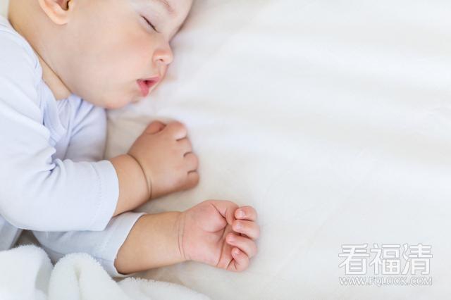 宝宝睡觉总半夜惊醒?怎么办?