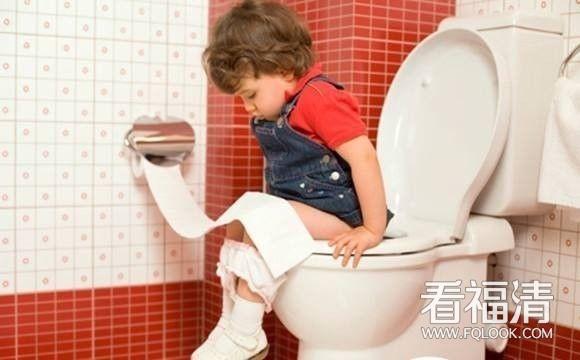 宝宝便秘就要多喝水?原来你一直做错了
