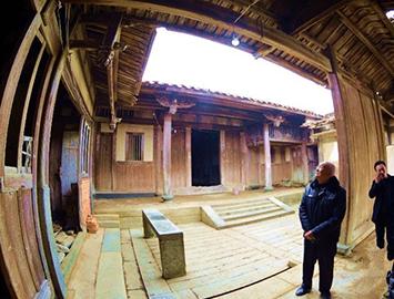 沙埔镇有座140岁的古厝及古墓
