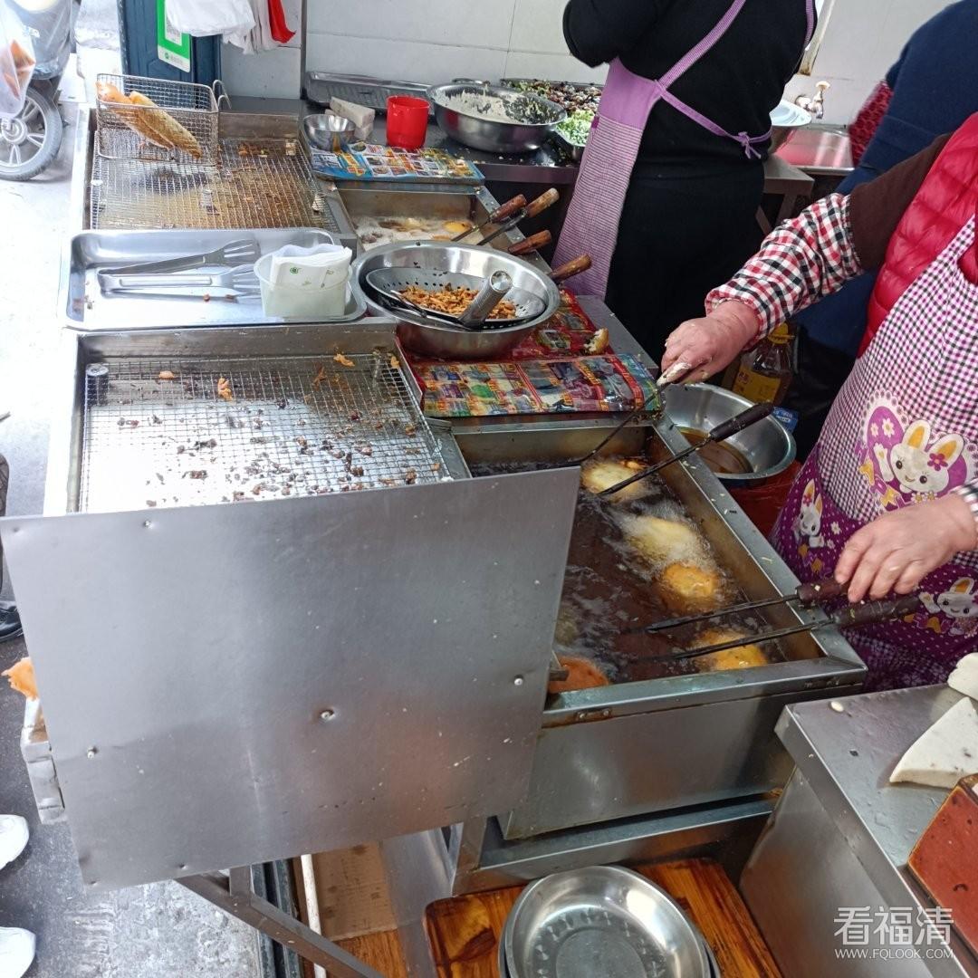 """福清老城區的三家海蠣餅店,""""最資深""""的究竟開了多久"""